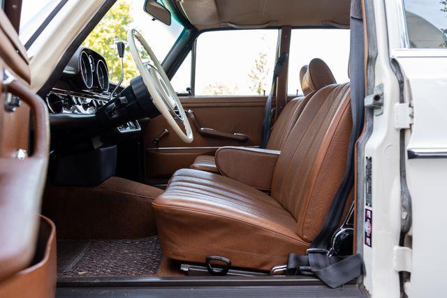 1971 Mercedes Benz 280SE sedan Chesterfield, Missouri 42