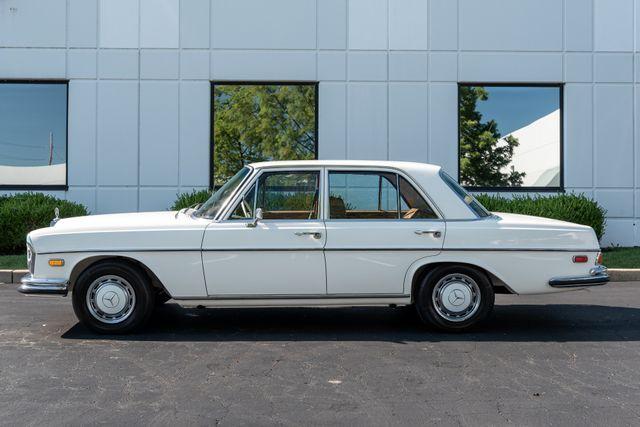 1971 Mercedes Benz 280SE sedan Chesterfield, Missouri 7