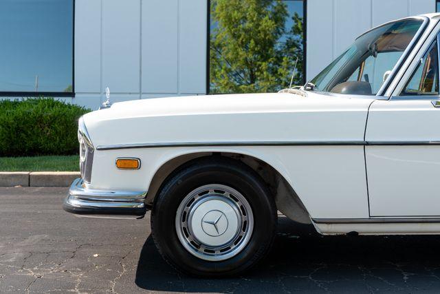 1971 Mercedes Benz 280SE sedan Chesterfield, Missouri 11