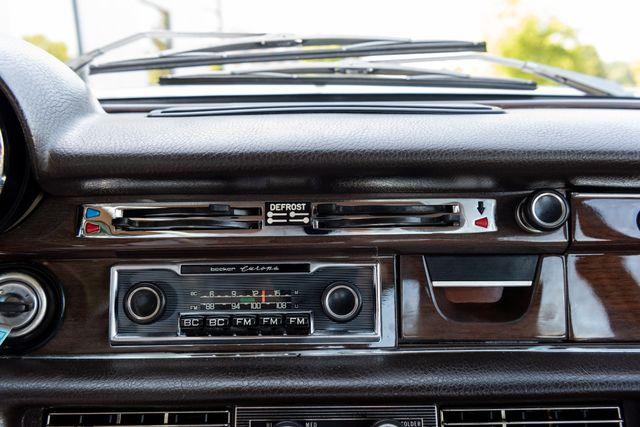 1971 Mercedes Benz 280SE sedan Chesterfield, Missouri 56