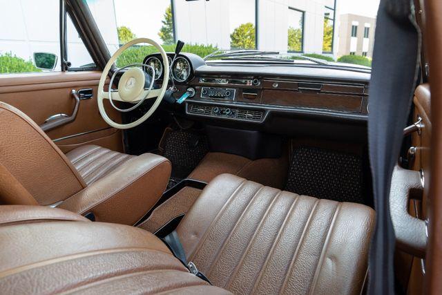 1971 Mercedes Benz 280SE sedan Chesterfield, Missouri 66