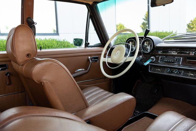 1971 Mercedes Benz 280SE sedan Chesterfield, Missouri 67