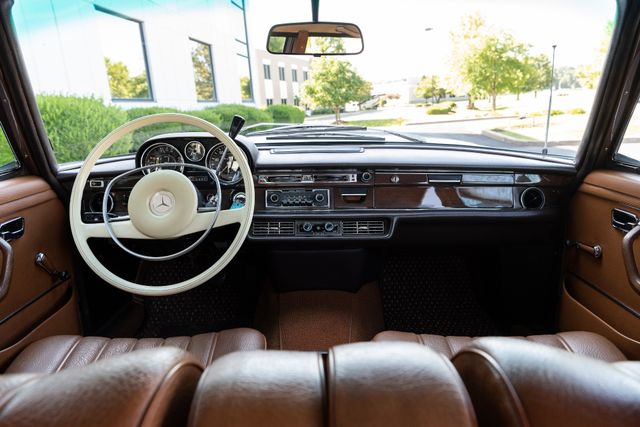 1971 Mercedes Benz 280SE sedan Chesterfield, Missouri 82