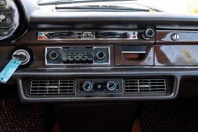 1971 Mercedes Benz 280SE sedan Chesterfield, Missouri 58