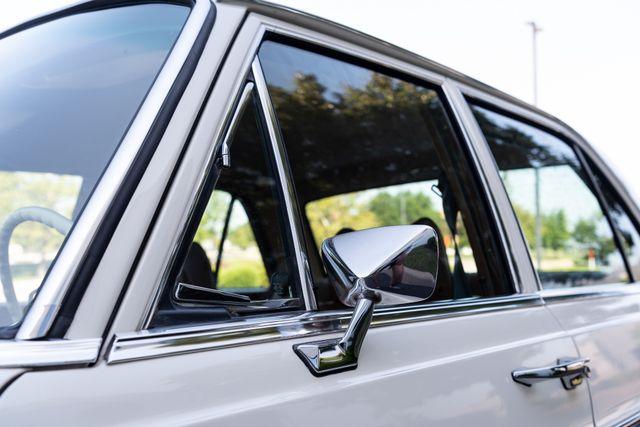 1971 Mercedes Benz 280SE sedan Chesterfield, Missouri 93