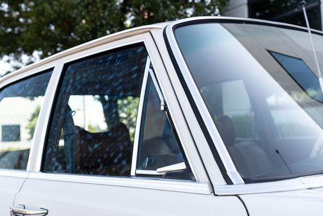 1971 Mercedes Benz 280SE sedan Chesterfield, Missouri 94