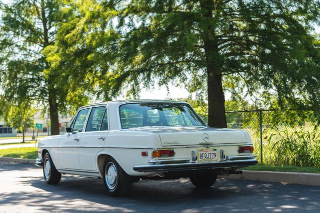 1971 Mercedes Benz 280SE sedan Chesterfield, Missouri 100