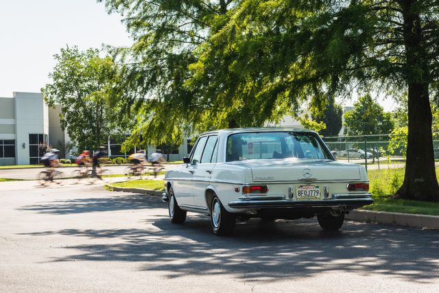 1971 Mercedes Benz 280SE sedan Chesterfield, Missouri 102
