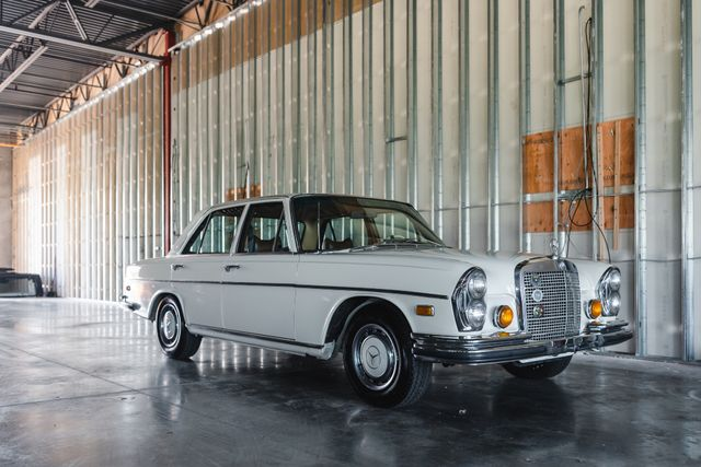 1971 Mercedes Benz 280SE sedan Chesterfield, Missouri 104