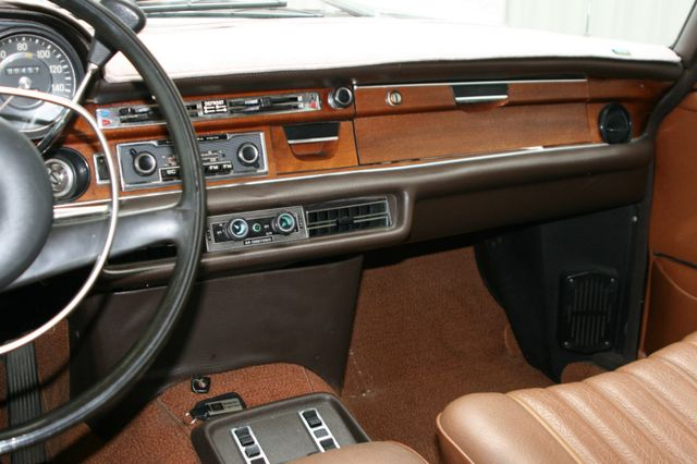 1972 Mercedes-Benz 280 SE Houston, Texas 11