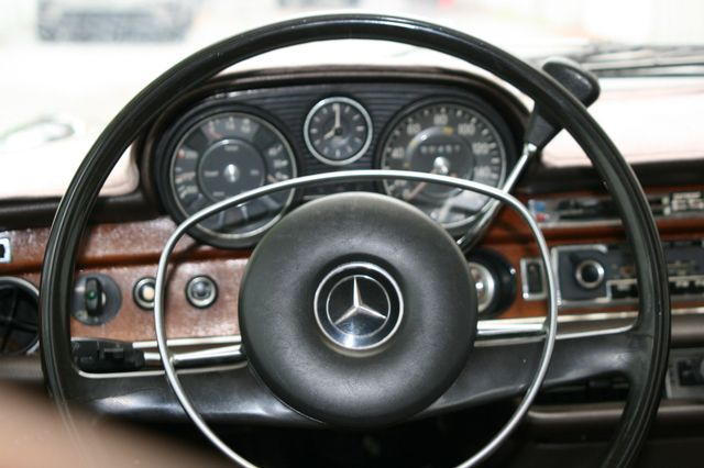 1972 Mercedes-Benz 280 SE Houston, Texas 13