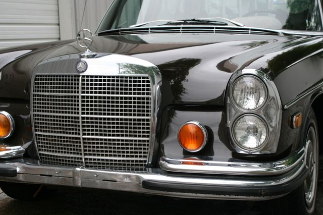 1972 Mercedes-Benz 280 SE Houston, Texas 3