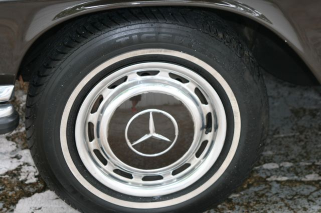 1972 Mercedes-Benz 280 SE Houston, Texas 8