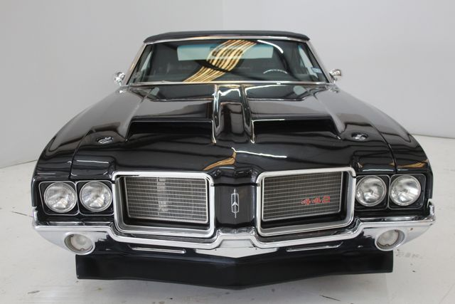 1972 Oldsmobile Cutlass 442 Restomod Houston, Texas 2
