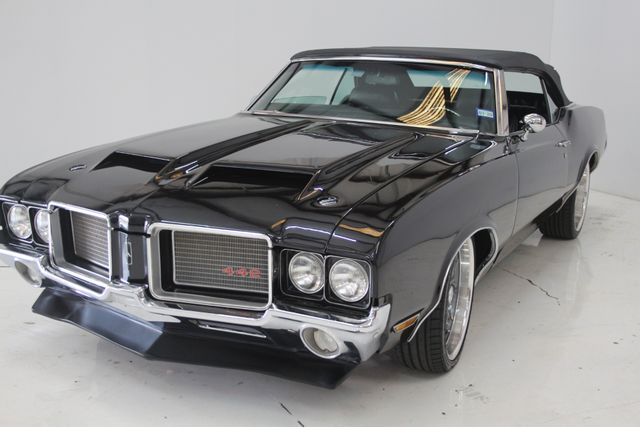 1972 Oldsmobile Cutlass 442 Restomod Houston, Texas 3