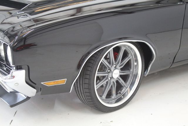 1972 Oldsmobile Cutlass 442 Restomod Houston, Texas 8