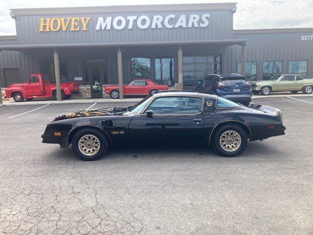 1977 Pontiac Trans Am Y82 Smokey and the Bandit Car Type