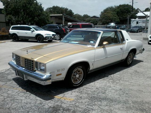 1979 Oldsmobile Cutlass  W-30 Hurst Performance Package San Antonio, Texas 3