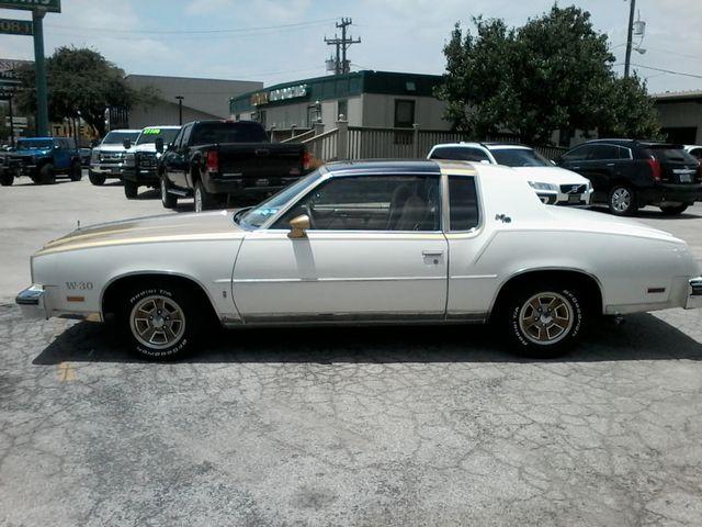 1979 Oldsmobile Cutlass  W-30 Hurst Performance Package San Antonio, Texas 4