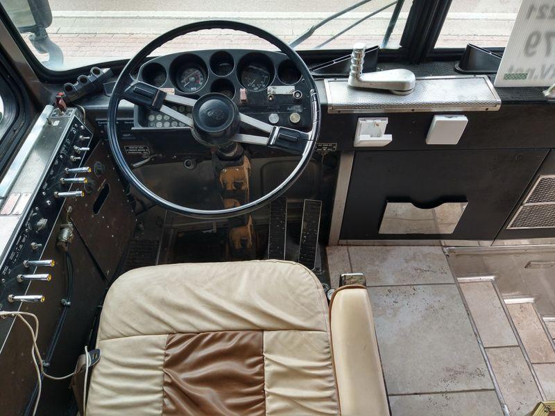 1980 Mci bus Crusader 2  city FL  Manatee RV  in Palmetto, FL