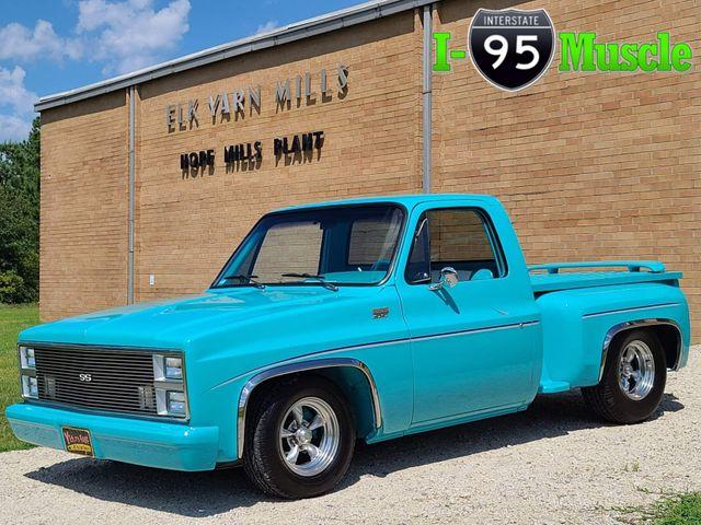 1981 Chevrolet C10 Custom Deluxe in Hope Mills, NC 28348