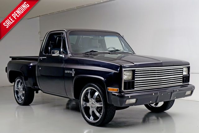 1981 Chevrolet Pickup C10* Custom Deluxe* Step Side* 5.0L V8* Manual*** | Plano, TX | Carrick's Autos in Plano TX