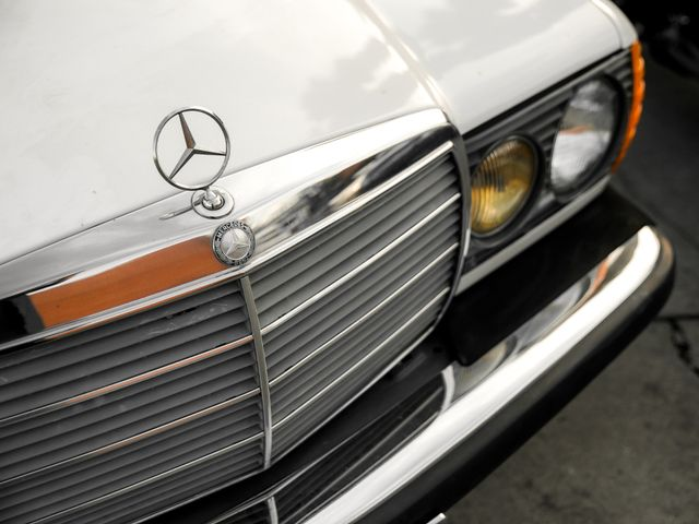 1982 Mercedes-Benz 240 Series 240D Burbank, CA 24