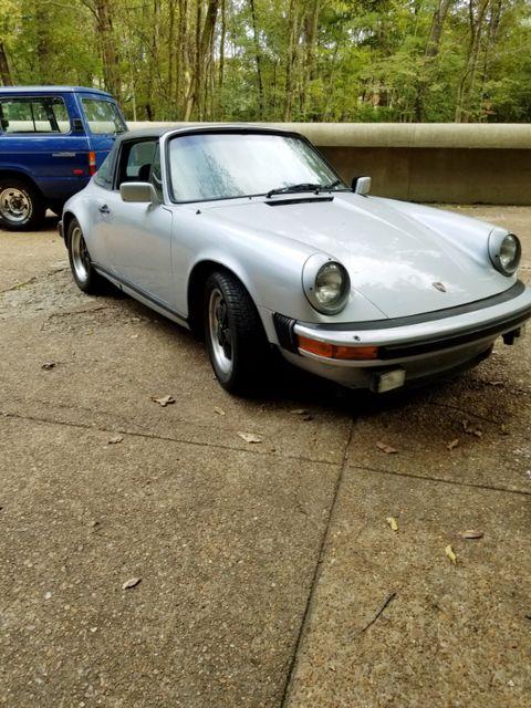 1983 Porsche 911 SC Memphis, Tennessee 3