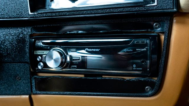 1984 Chevrolet C10 Custom Deluxe Stepside Pickup in Dallas, TX 75229
