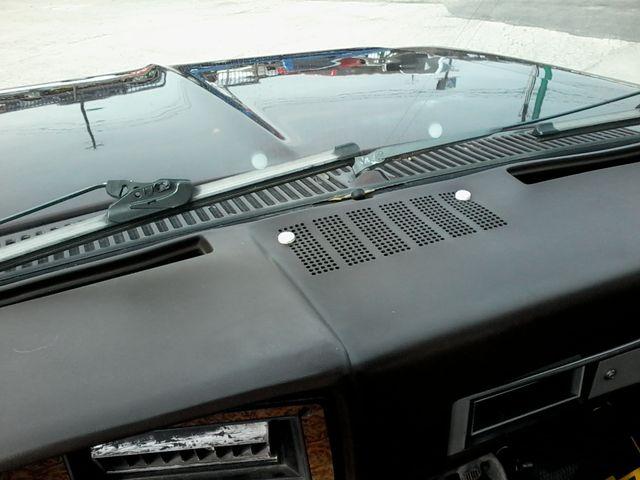 1984 Chevrolet k 10 Silverado 4X4 Boerne, Texas 16