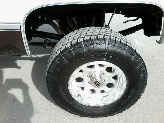 1984 Chevrolet k 10 Silverado 4X4 Boerne, Texas 21
