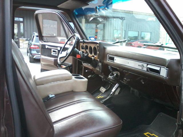 1984 Chevrolet k 10 Silverado 4X4 Boerne, Texas 9