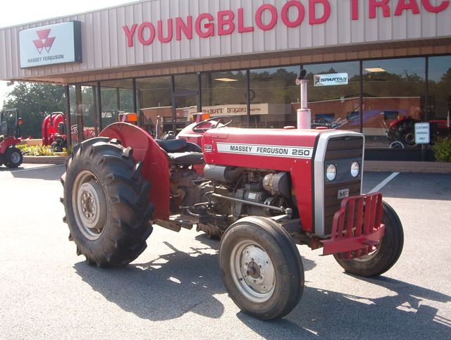 1984 Massey Ferguson 250 in Madison, Georgia 30650