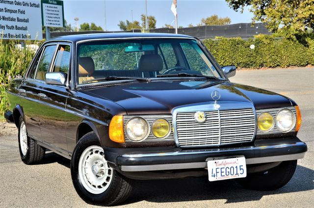 1984 Mercedes-Benz 300 Series 300D-T