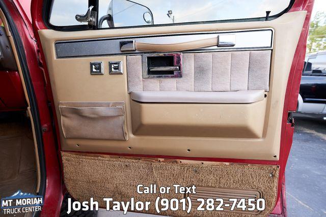 1985 Chevrolet Suburban in Memphis Tennessee, 38115