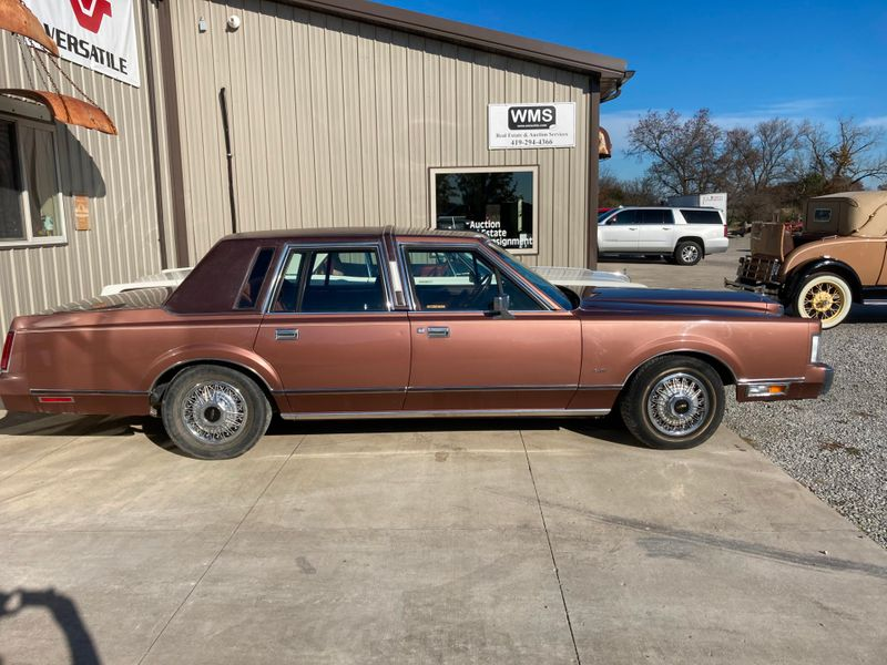 1985 Lincoln Town Car   in , Ohio