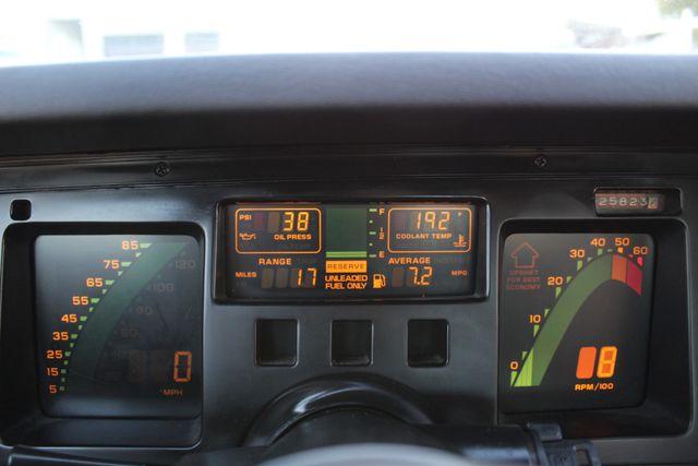 1986 Chevrolet CORVETTE 4+3 SPEED MANUAL in Van Nuys, CA 91406