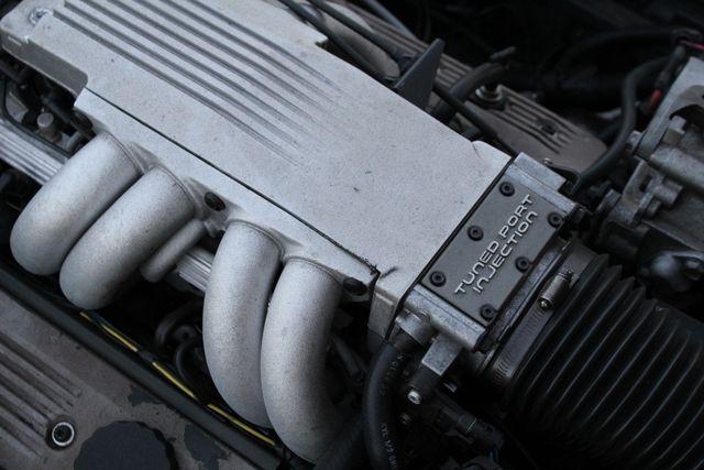 1986 Chevrolet CORVETTE 4-SPEED MANUAL in Van Nuys, CA 91406