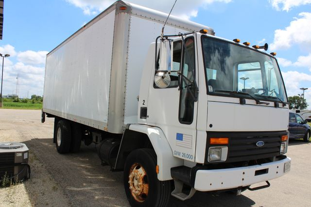 1996 Ford Cargo box truck with tommy gate in Roscoe, IL 61073
