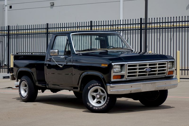 1986 Ford F-Series Pickup 4X4* MANUAL* RARE TRUCK* | Plano, TX | Carrick's Autos in Plano TX