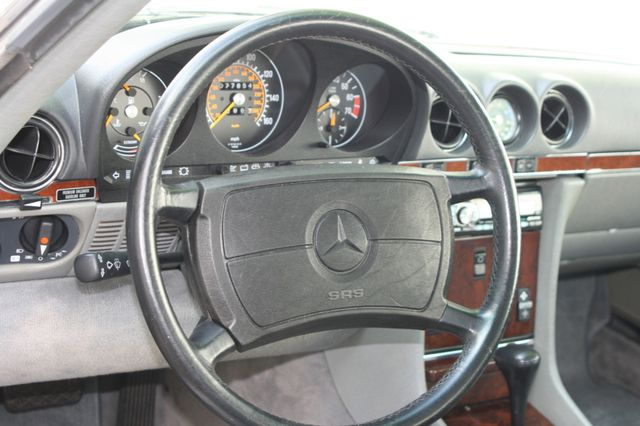 1986 Mercedes-Benz 560 Series 560SL Houston, Texas 12