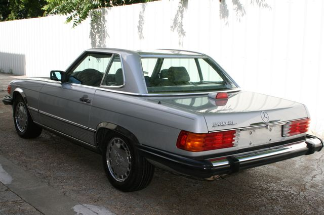 1986 Mercedes-Benz 560 Series 560SL Houston, Texas 3