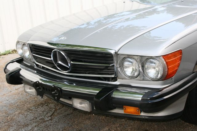 1986 Mercedes-Benz 560 Series 560SL Houston, Texas 8