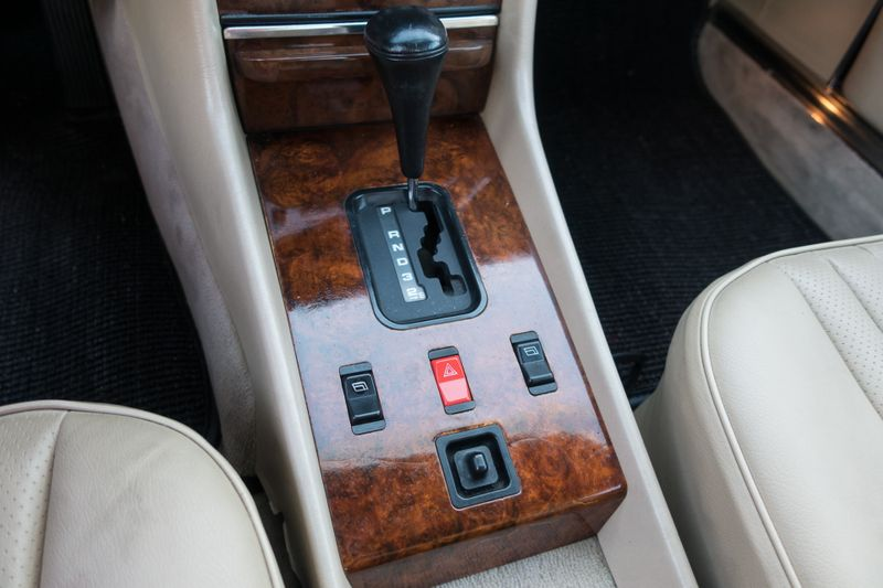 1986 Mercedes-Benz 560 Series 560SL   Texas  EURO 2 MOTORS  in , Texas