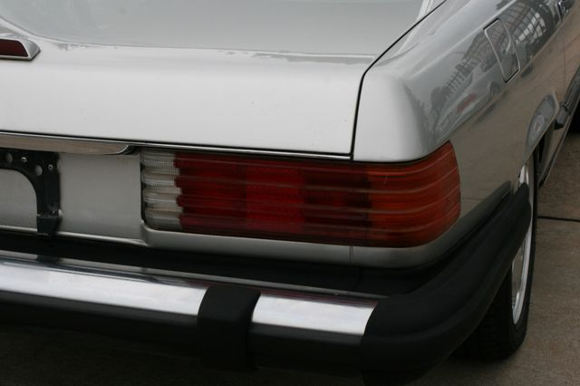 1986 Mercedes-Benz 560SL Houston, Texas 12