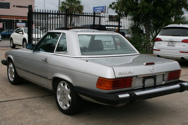 1986 Mercedes-Benz 560SL Houston, Texas 4