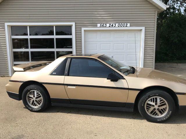 1986 Pontiac Fiero Sport SE