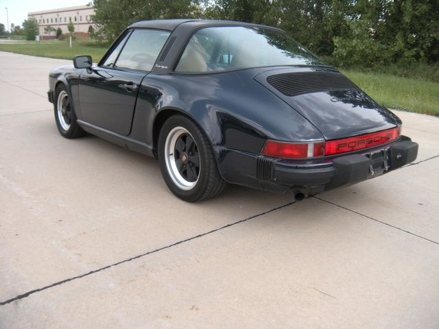 1986 Porsche 911 TARGA Chesterfield, Missouri 4