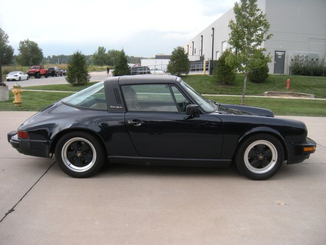 1986 Porsche 911 TARGA Chesterfield, Missouri 2