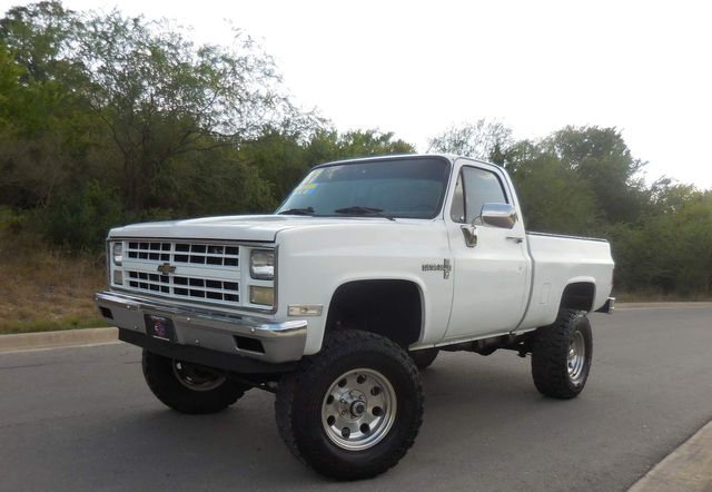1987 Chevrolet 1/2 Ton Pickups in New Braunfels, TX 78130